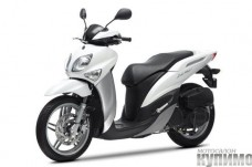 2012-Yamaha-Xenter-EU-Avalanche-White-Studio-007_gal_full