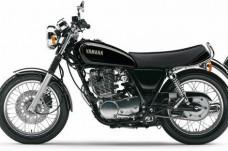 2014-Yamaha-SR400-EU-Yamaha-Black-Studio-006_gal_full