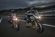 2015-Yamaha-MT09-Tracer-EU-Lava-Red-Action-001_gal_full